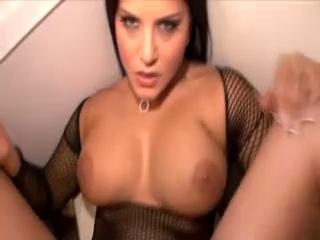 Amature Sunny Leone Sex In Toilet