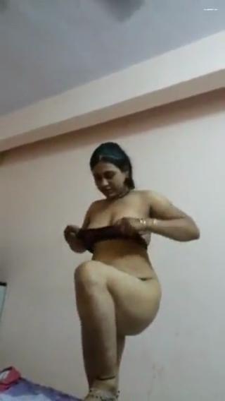 desi Indian bhabhi sex in hotel